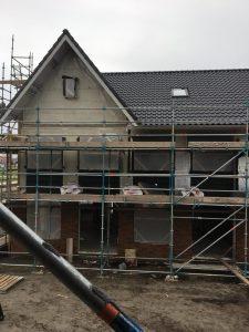 project huis in aanbouw stijgers
